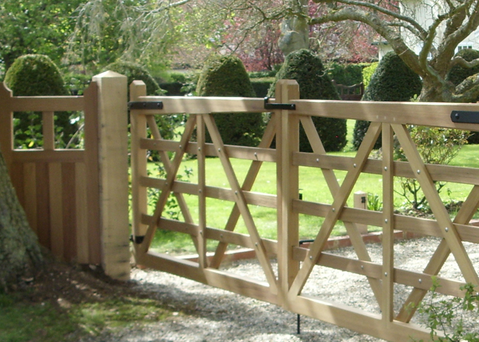 Gates Matching Fencing